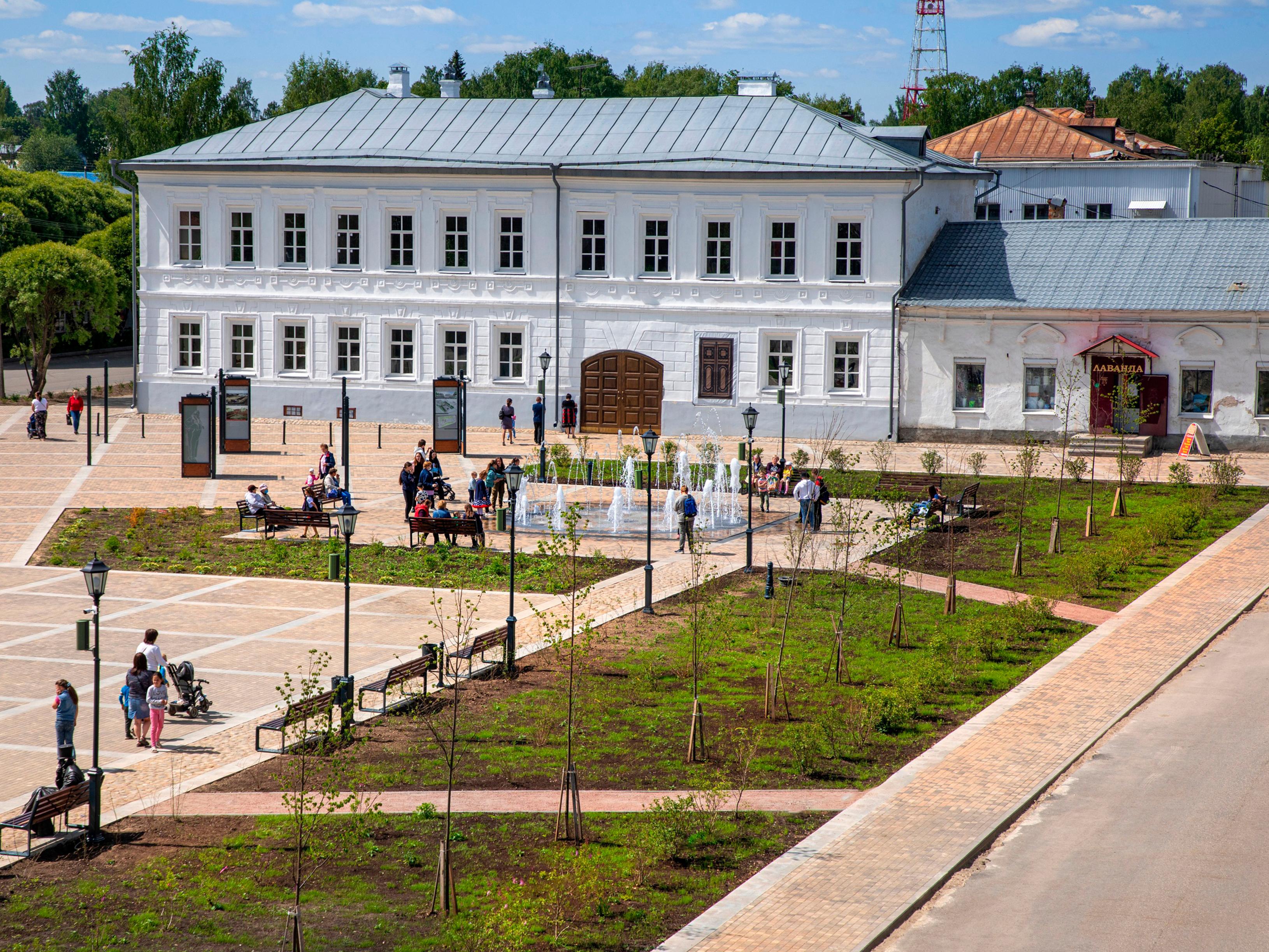 6Фото площади после реновации ФОНТАН